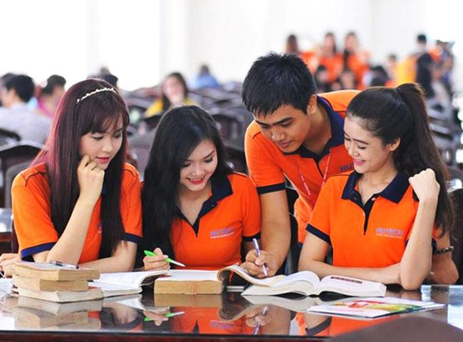 Công ty may đồng phục giá rẻ tại quận Hóc Môn