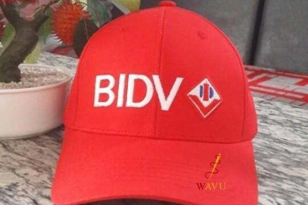 Nón kết đồng phục quảng cáo màu đỏ BIDV