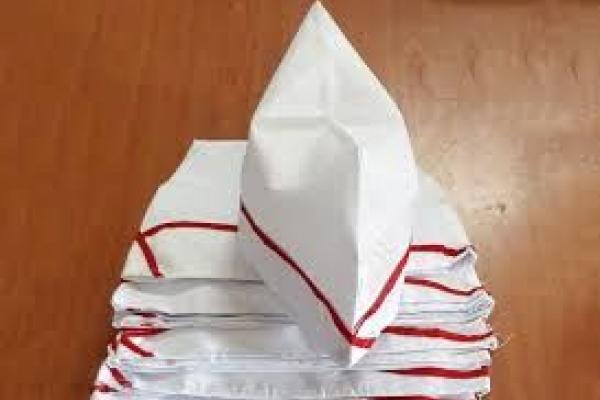 Nón đồng phục nghi thức màu trắng viền đỏ