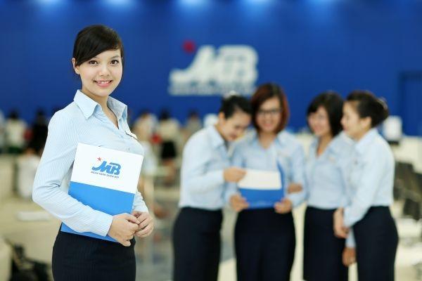 Đồng phục áo sơ mi cho nhân viên ngân hàng màu xanh