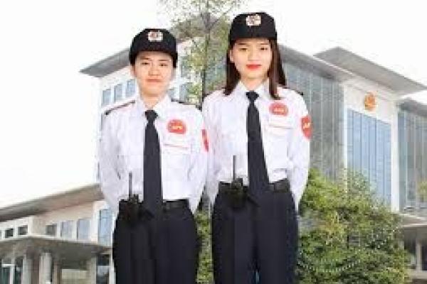 May đồng phục bảo vệ nữ màu trắng