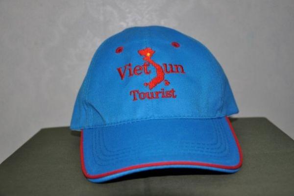 Nón lưỡi trai cho công ty du lịch màu xanh biển viền đỏ